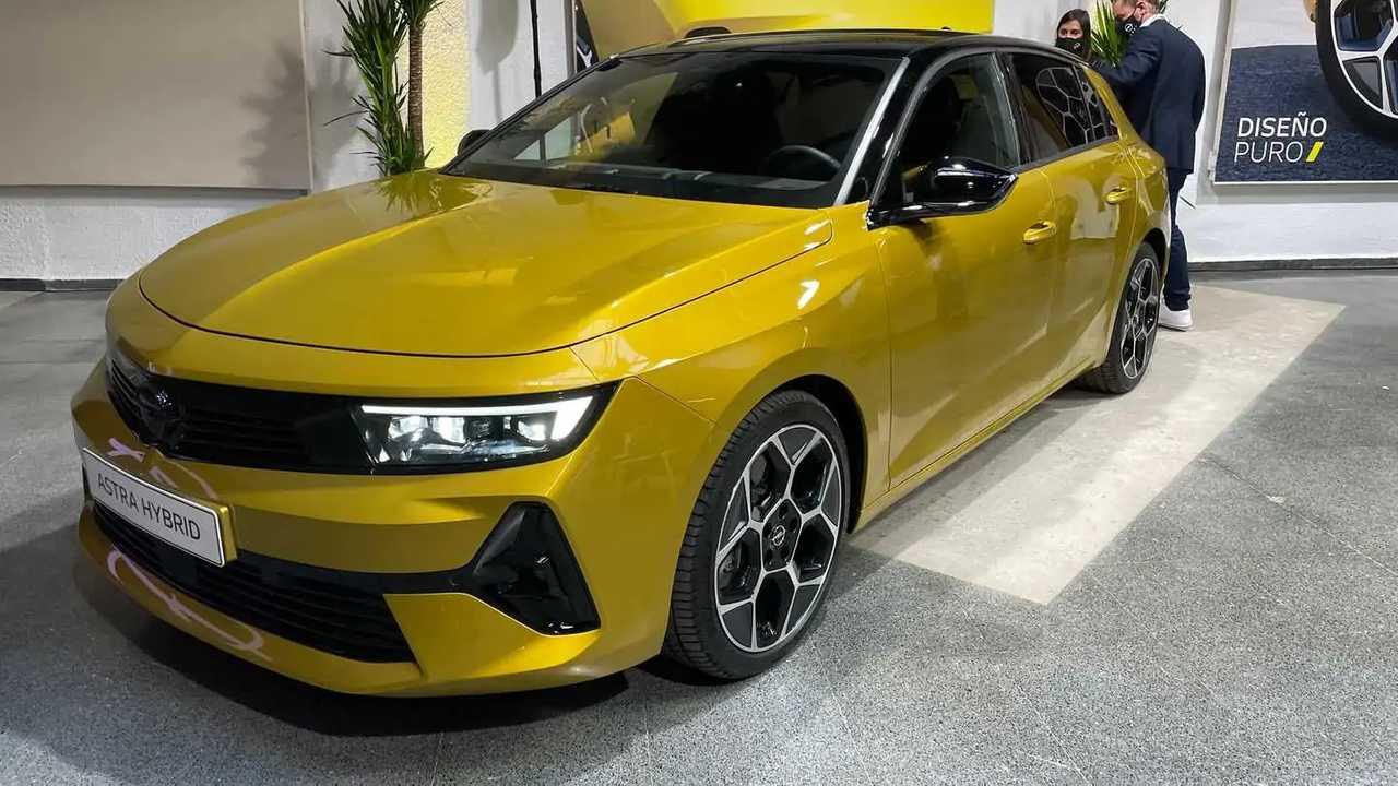 Opel Astra 2022 presentación estática española