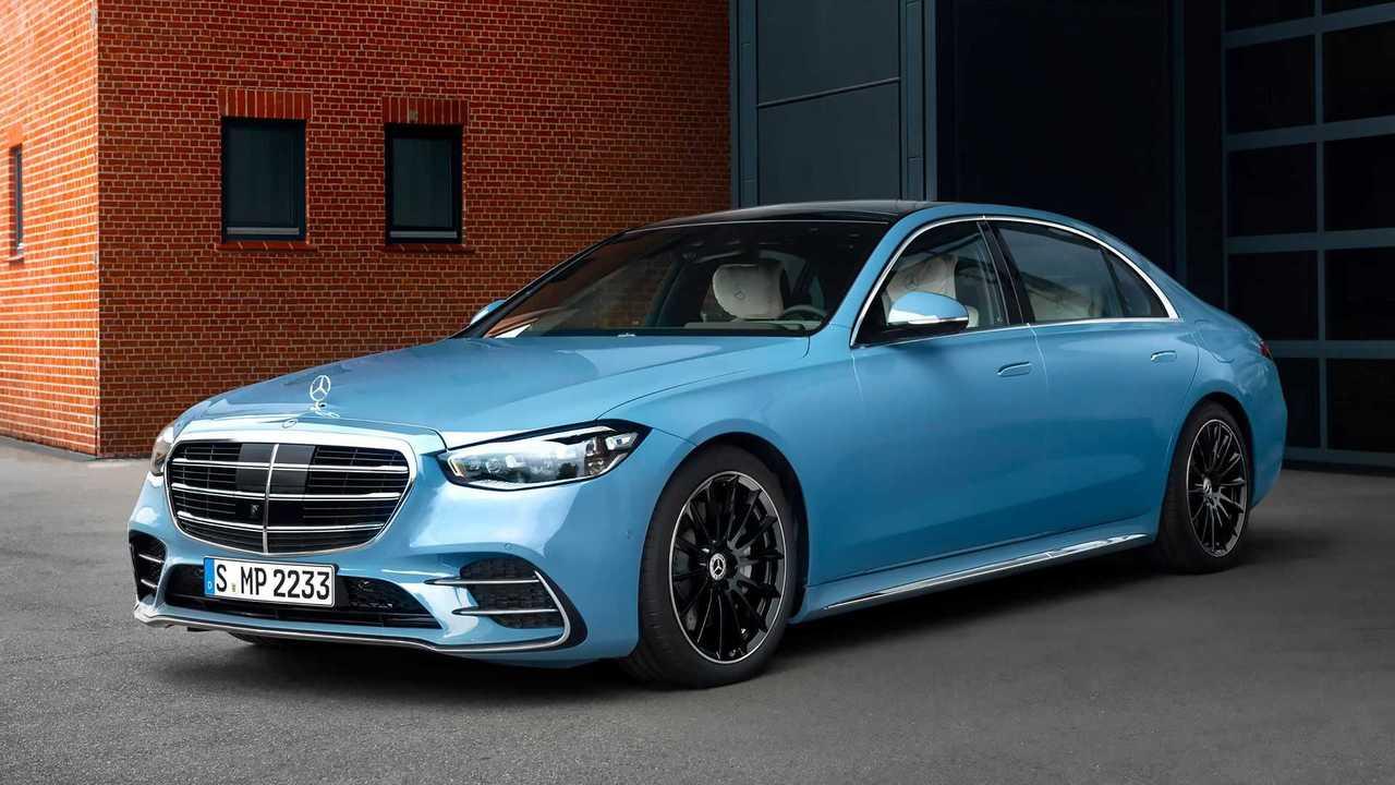 Mercedes S 580 e MANUFAKTUR, Exterieur MANUFAKTUR vintageblau, Interieur MANUFAKTUR tiefweiß/schwarz
