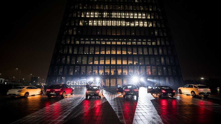Российская премьера Genesis GV70 и Genesis G70