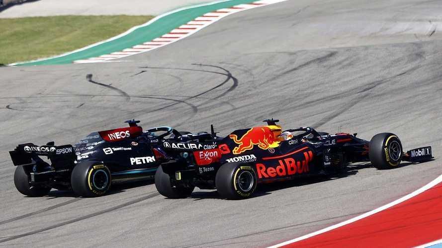 Verstappen y Red Bull hacen hincar la rodilla a Hamilton