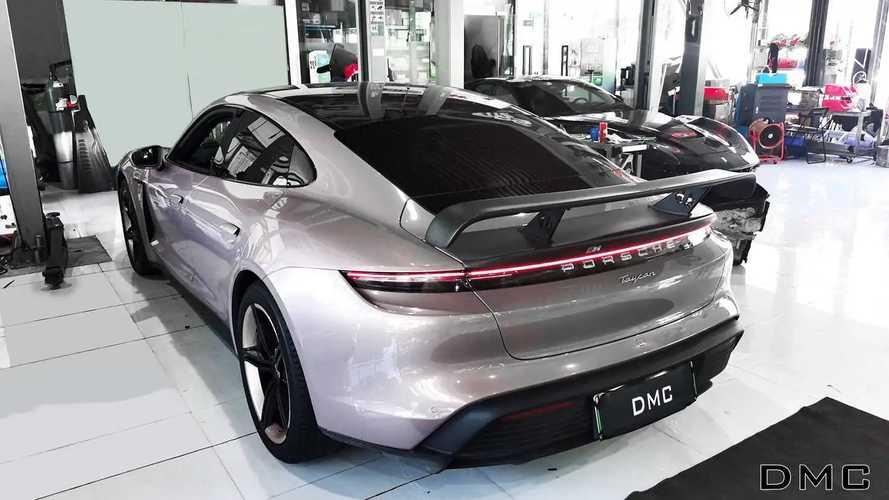 Porsche Taycan, aerodinamica in stile GT3 con il kit DMC