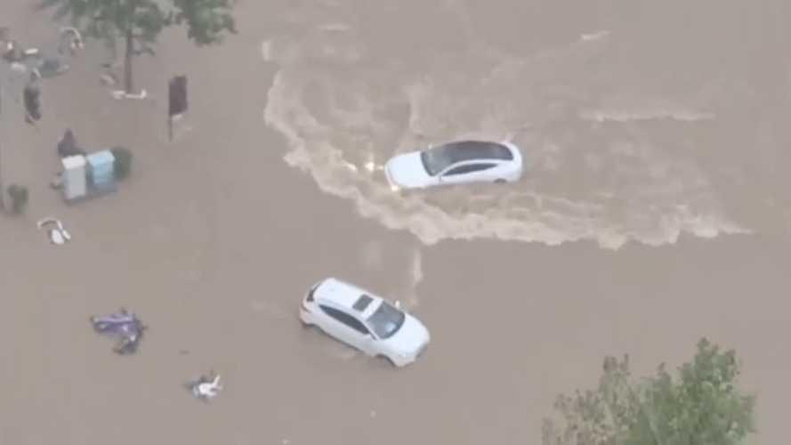 Mobil Listrik Cina Xpeng P7 Bisa Berjalan Saat Banjir tapi Aman