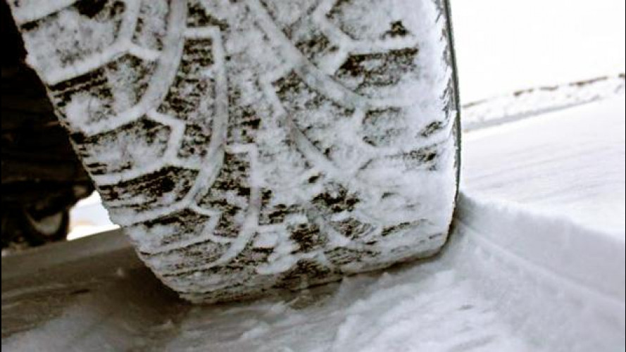 [Copertina] - Neve sulle autostrade: raccomandate gomme invernali o catene da neve