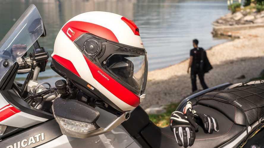 Schuberth lanza su nuevo casco abatible C4 PRO
