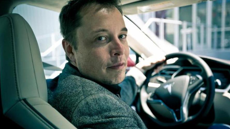 További 10 évig Elon Musk marad a Tesla vezérigazgatója