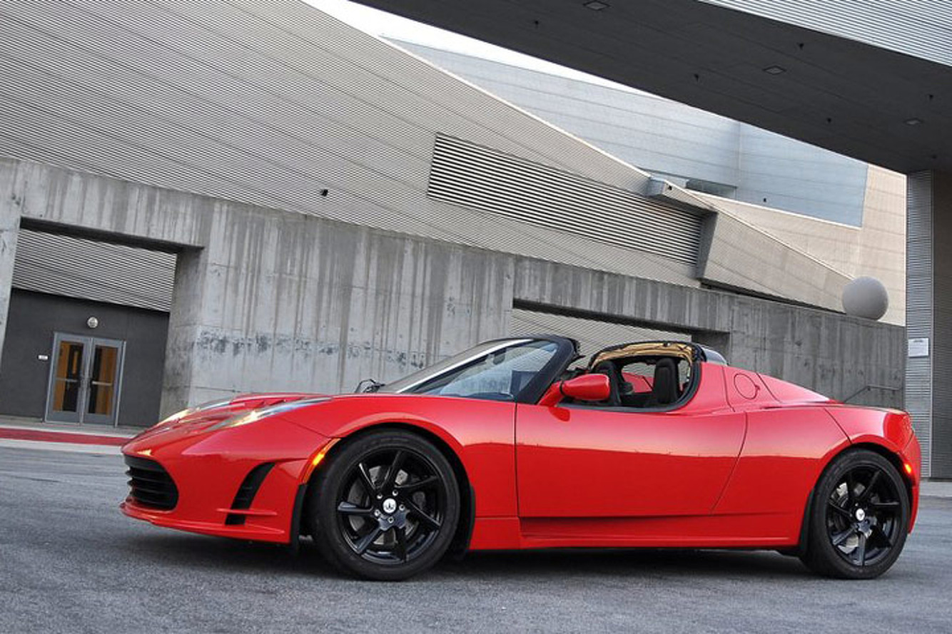 New Tesla Roadster Will Go 400 Miles on a Single Charge