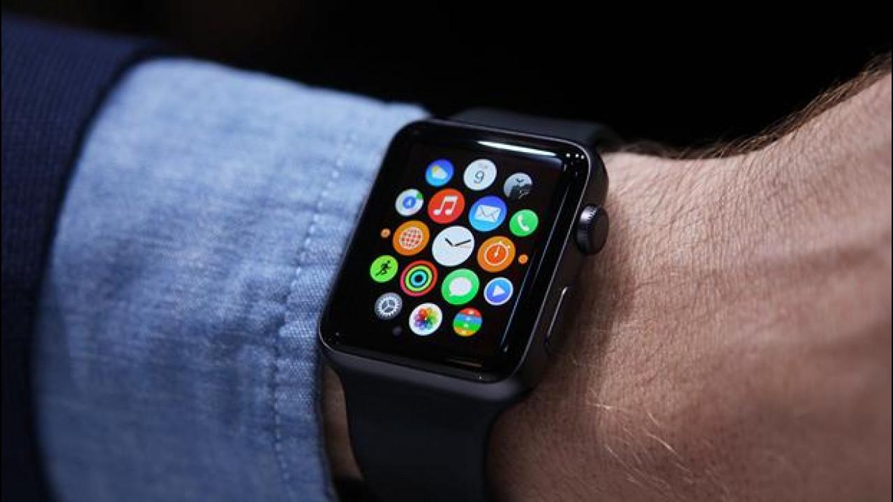 [Copertina] - L'Apple Watch sarà legale in auto?