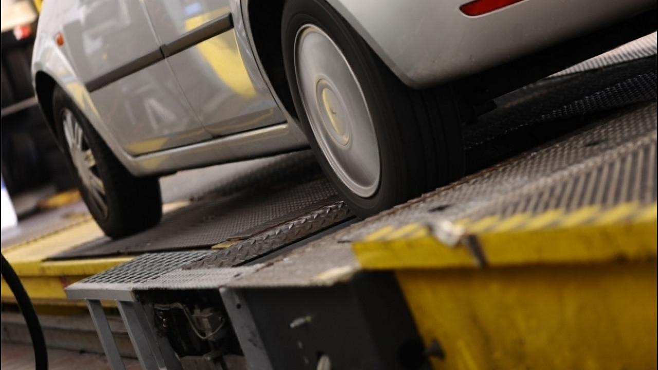 [Copertina] - Revisione auto, l'Ue impone nuove regole contro le truffe