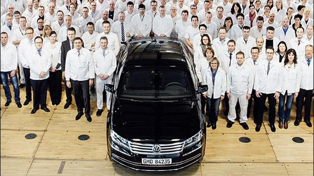 [Copertina] - Volkswagen Phaeton addio, la fabbrica trasparente si aggiorna