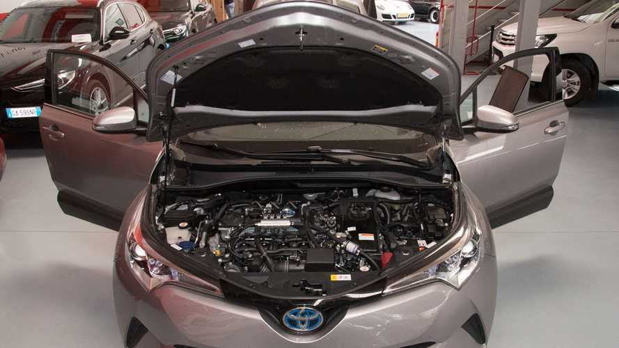 Toyota C-HR híbrido equipado com 'kit gás' faz estreia em evento