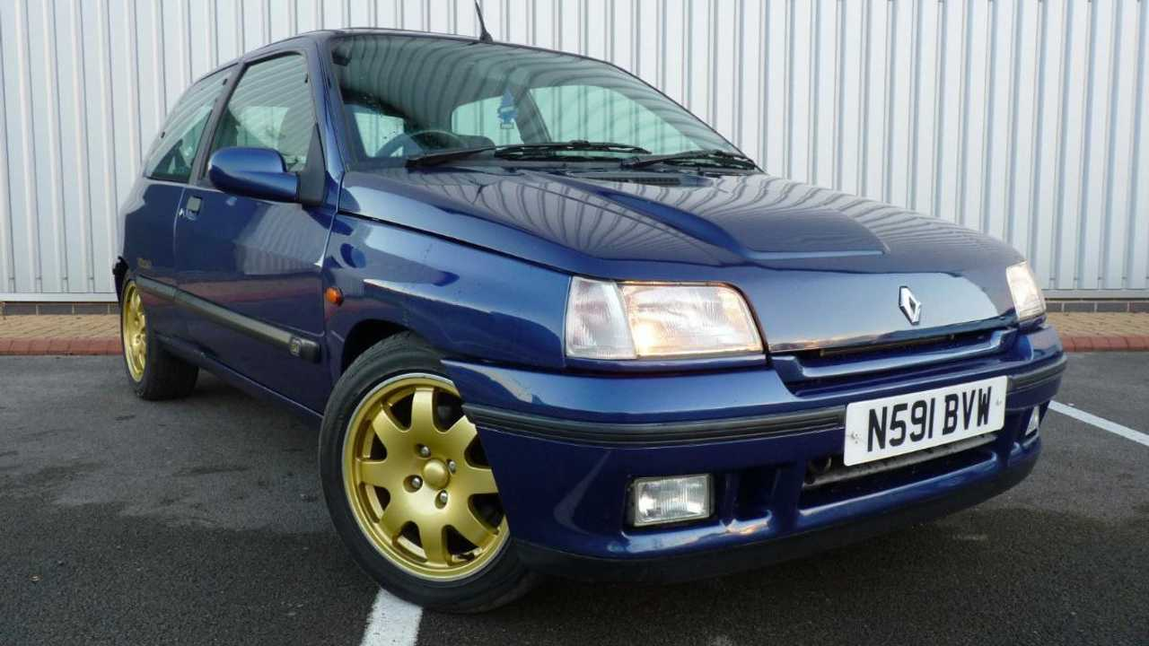 1995 Renault Clio Williams for sale: A pocket rocket for F1 fans