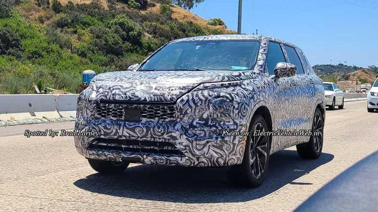 Mitsubishi Outlander 2022 - Novos flagras