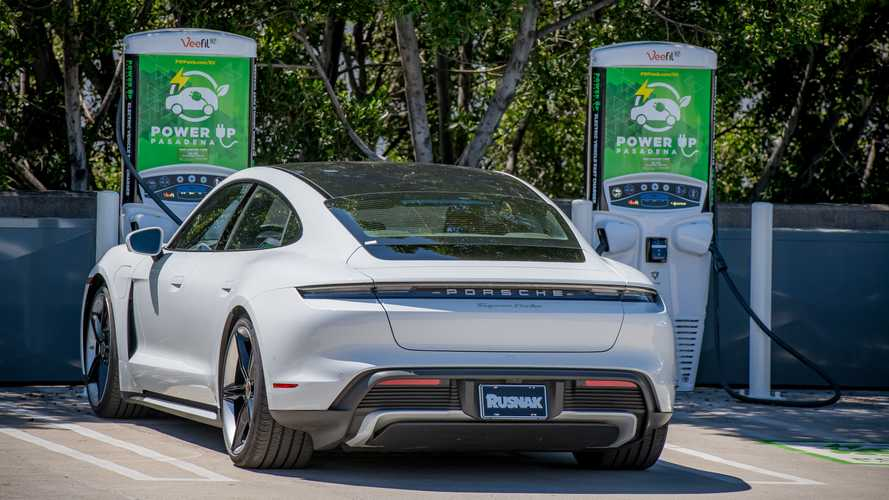 Tritium Becomes First To Offer Plug And Charge Feature On DC Fast Chargers