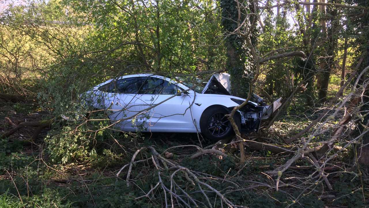Tesla Model 3 baleset