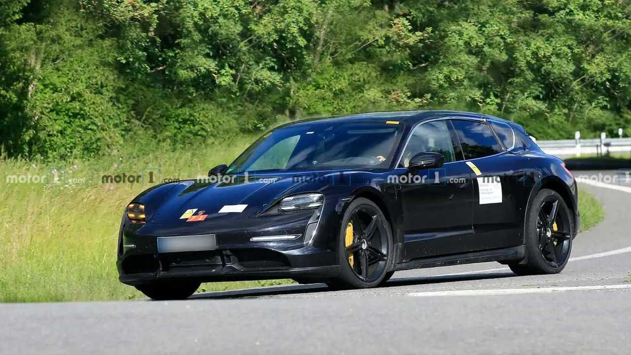 Yeni Porsche Taycan Cross Turismo Casus Fotoğrafları