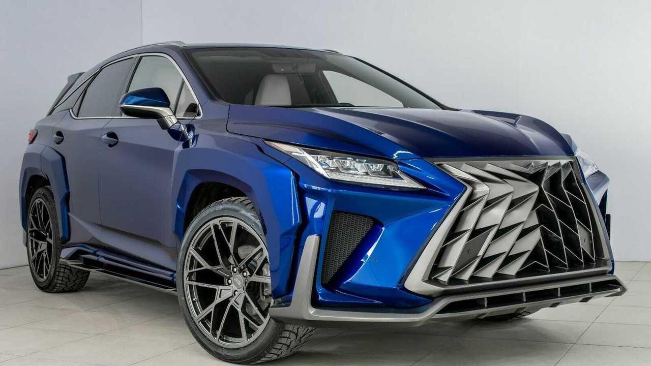 Modifiyeli Bir Lexus RX (Goemon)