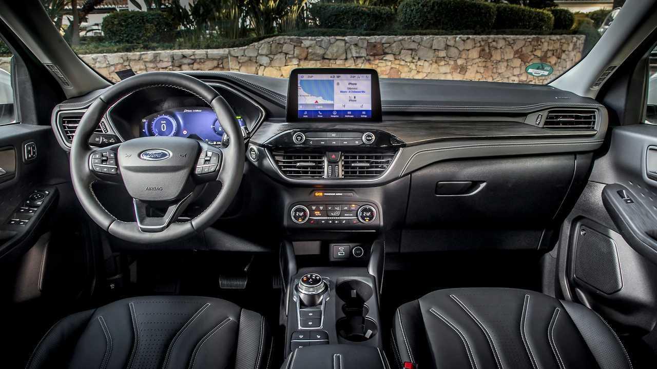 Ford Kuga ibrida plug-in, la prova dei consumi reali