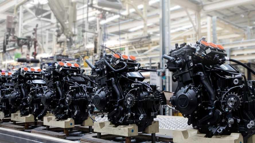 Gli effetti del Covid-19 sul mondo moto: Triumph licenzia, KTM assume