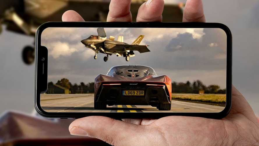 McLaren Speedtail vs F-35 Lightning II, la folle sfida di Top Gear