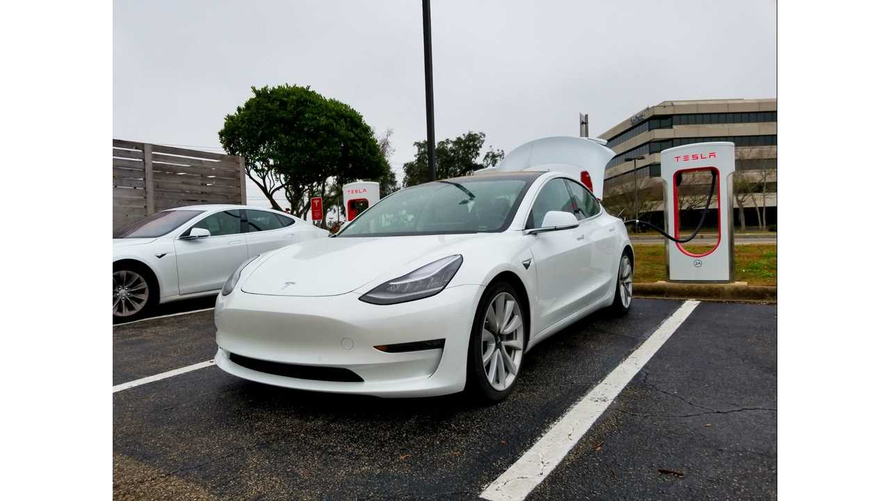 Tesla Model 3 Road Trip i
