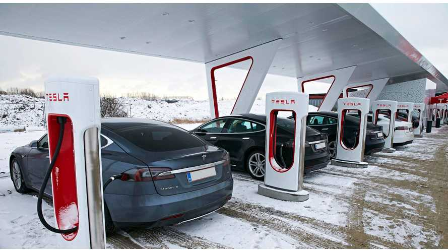 Tesla In Talks With Gas Station Chain To Install Superchargers