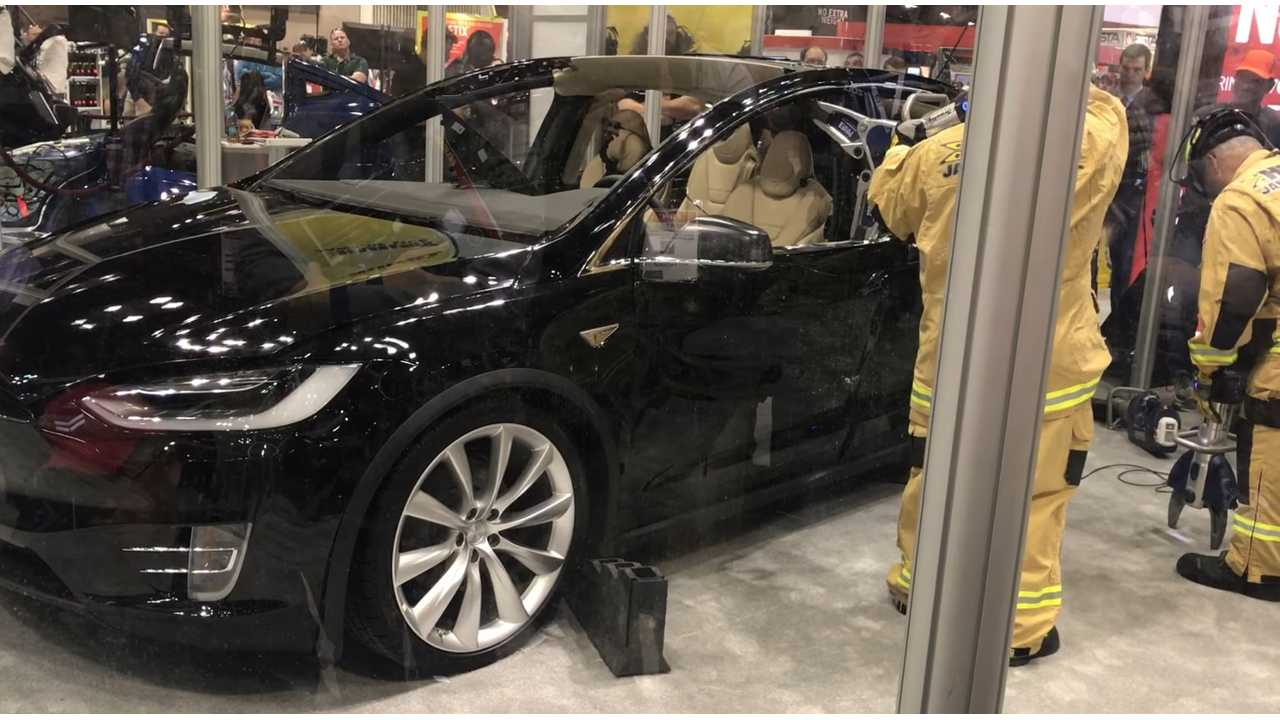 Daimler Reportedly Rents Tesla Model X, Tests and Dismantles It