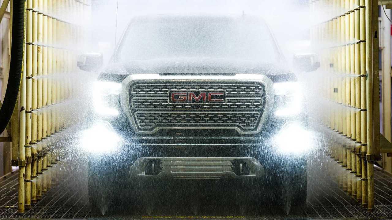 GMC выпустит еще один электропикап в дополнение к Hummer EV