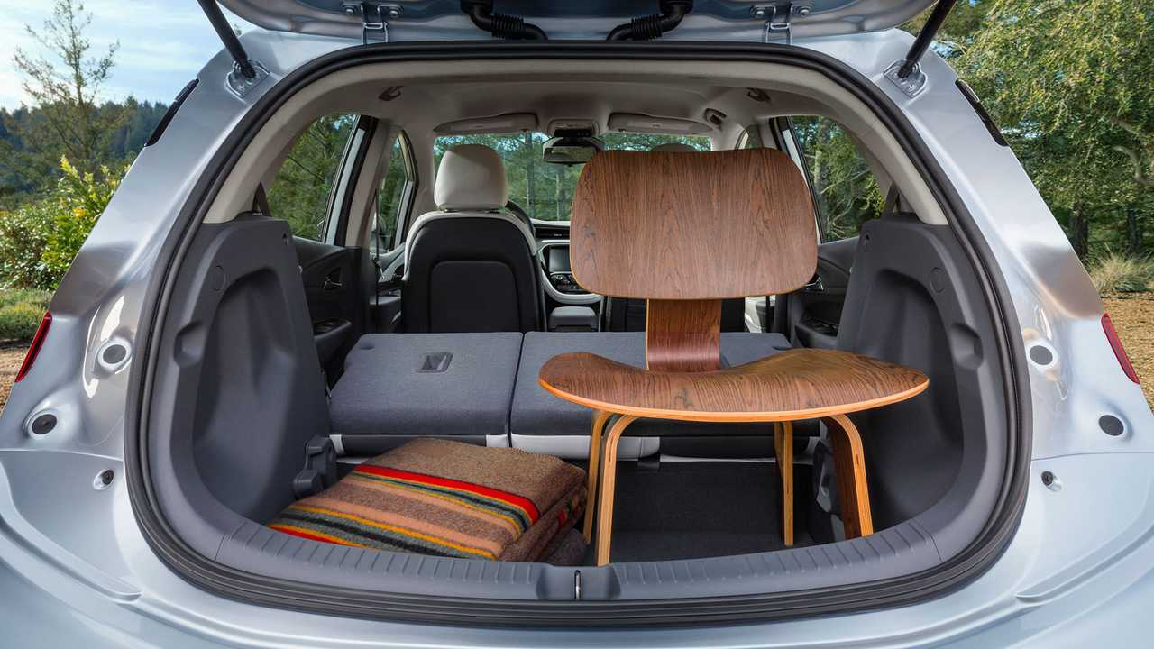The Bolt's interior space measures 94.4 cubic feet, which is four more cubes than the Volt's space.
