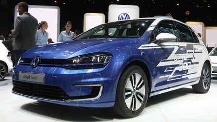Golf facelift is a no-show in Paris, VW displays 300-km e-Golf Touch instead