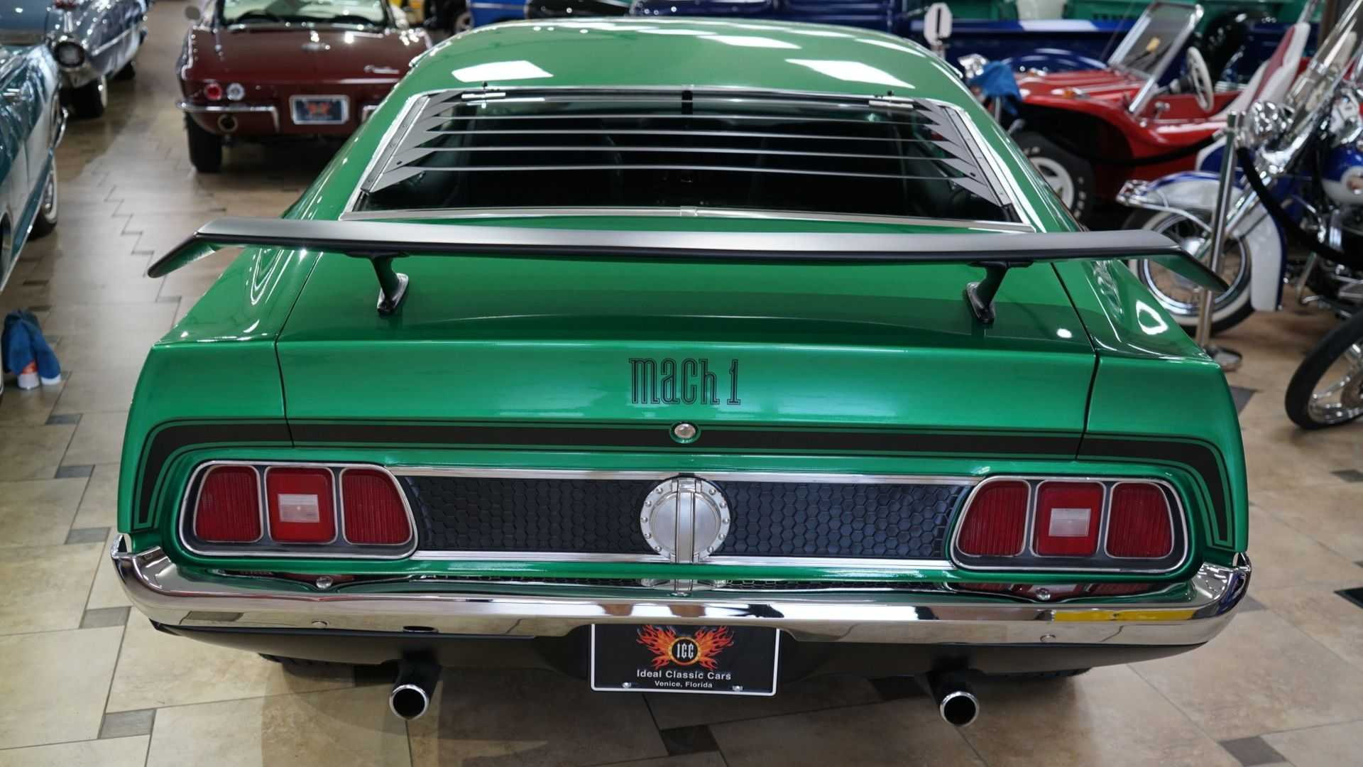 "[""Muscular 1971 Ford Mustang Mach 1 Bows To No Chevy""]"