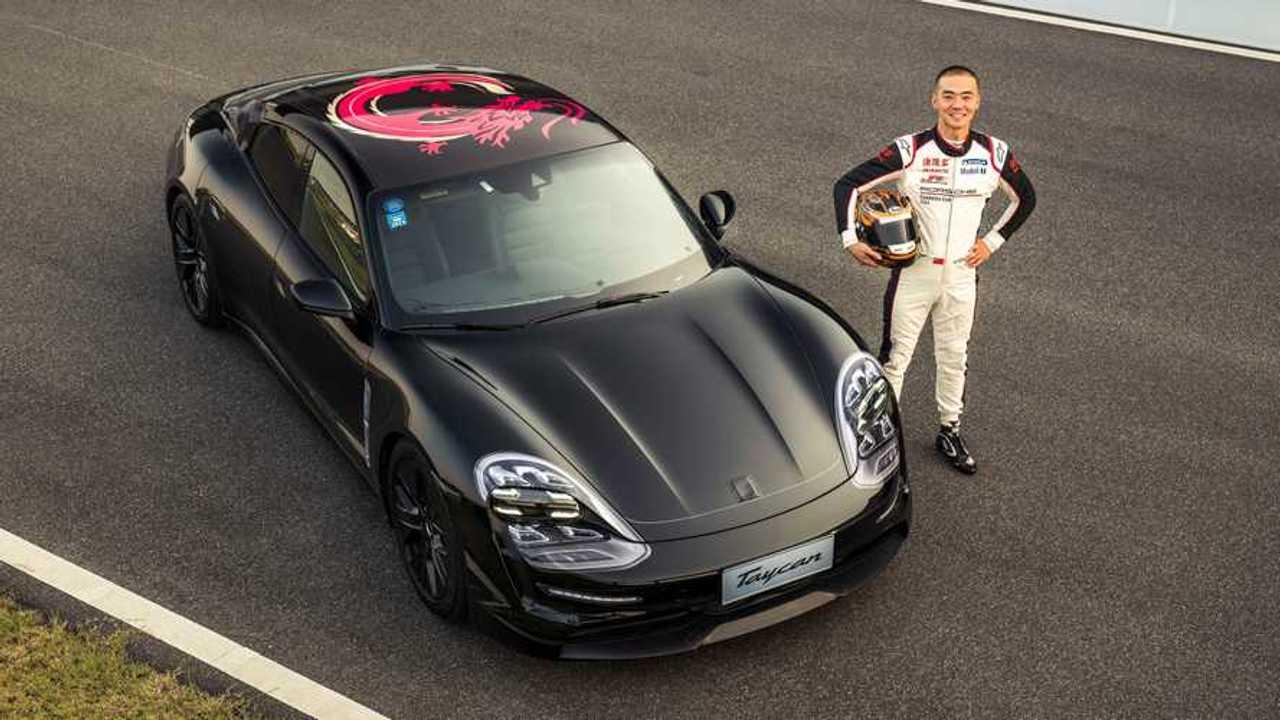 Porsche Taycan Tour