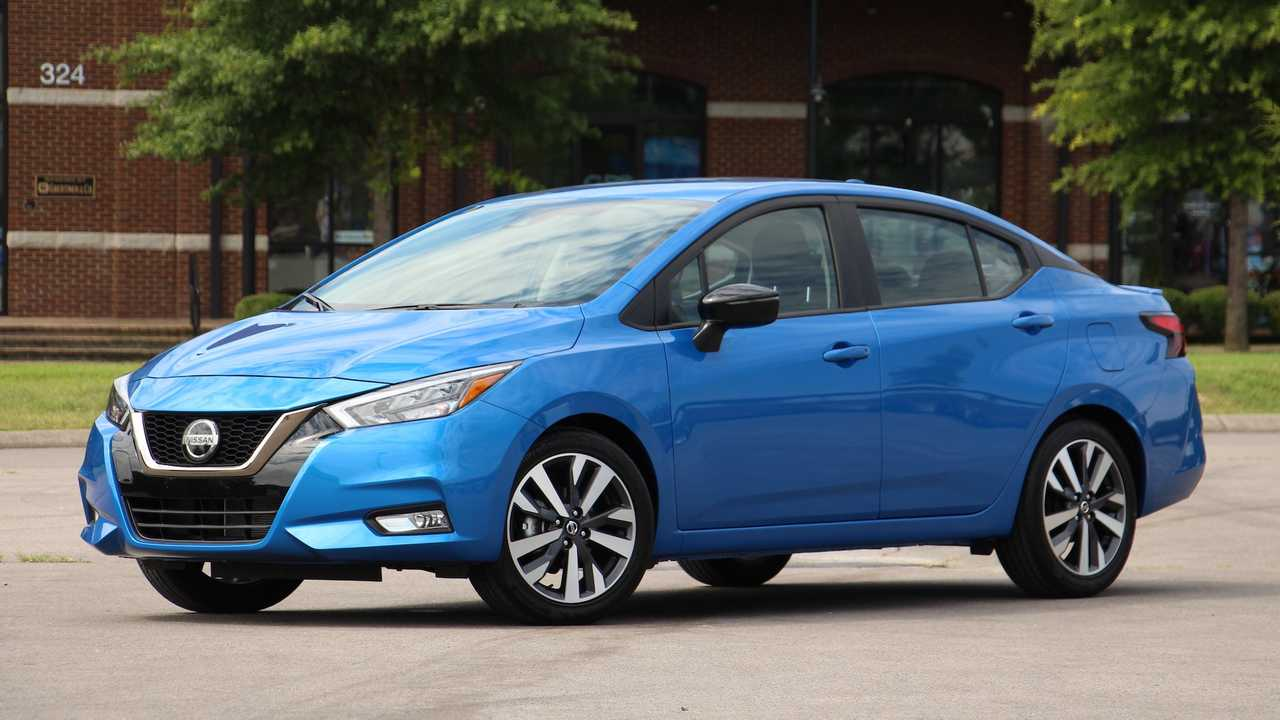 Exclusivo! Já dirigimos o novo Nissan Versa que virá ao ...