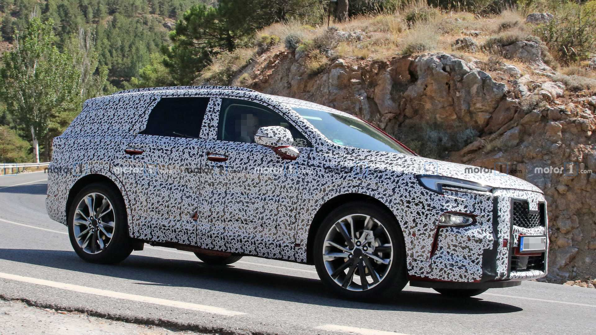 New Opel Three-Row Full-Size SUV Spied For The First Time [UPDATE]
