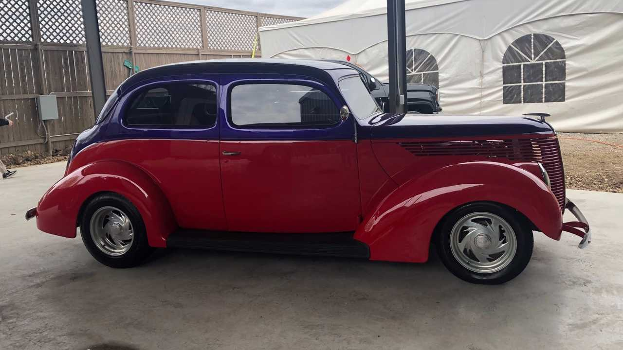 1938 Ford Tudor Humpback