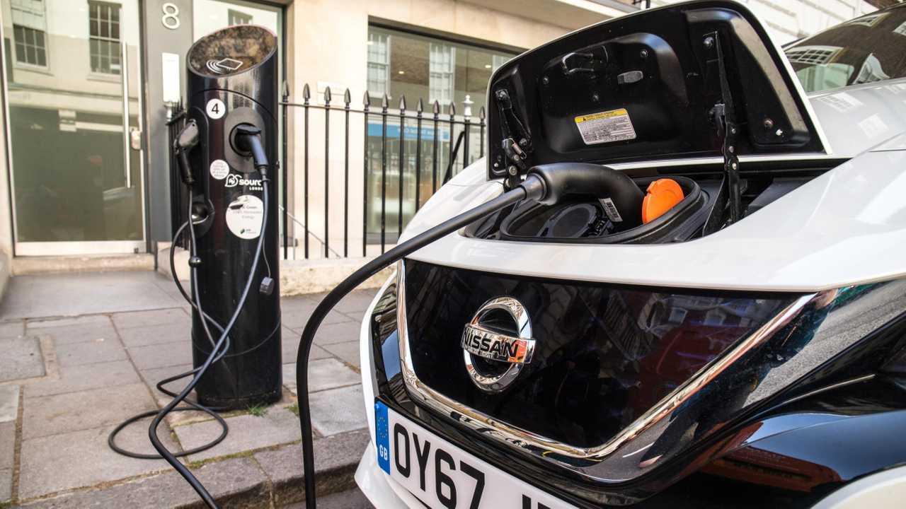 Nissan LEAF charging in UK