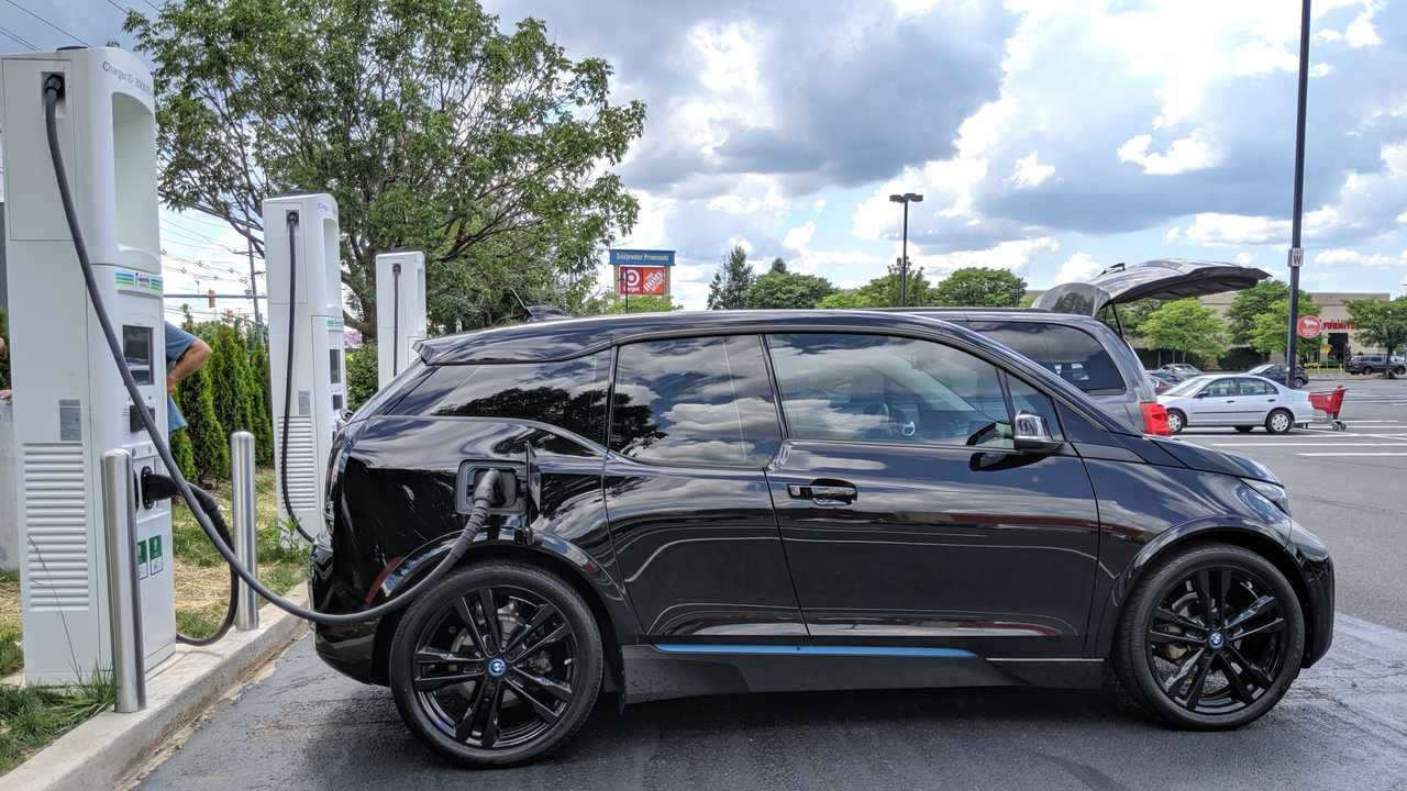 Electrify America Opens First High-Speed DC Fast Charger ...