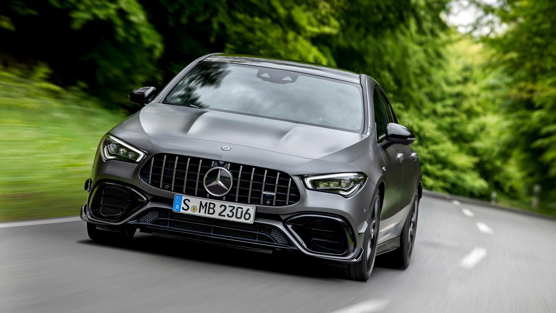 Mercedes-AMG A 45 e CLA 45 2020 estreiam com motor 2.0 turbo de 421 cv Mercedes-amg-cla-45-4matic-2019