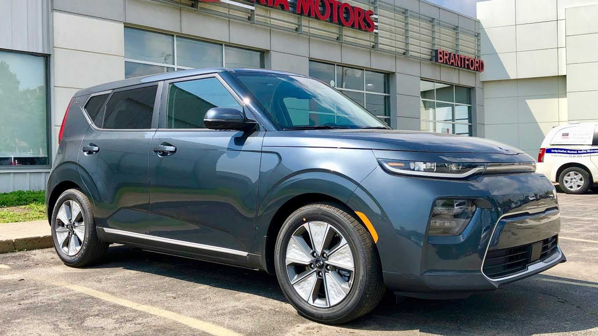 Kia Soul Ev >> 2020 Kia Soul Ev Limited Long Range Test Drive Review Video