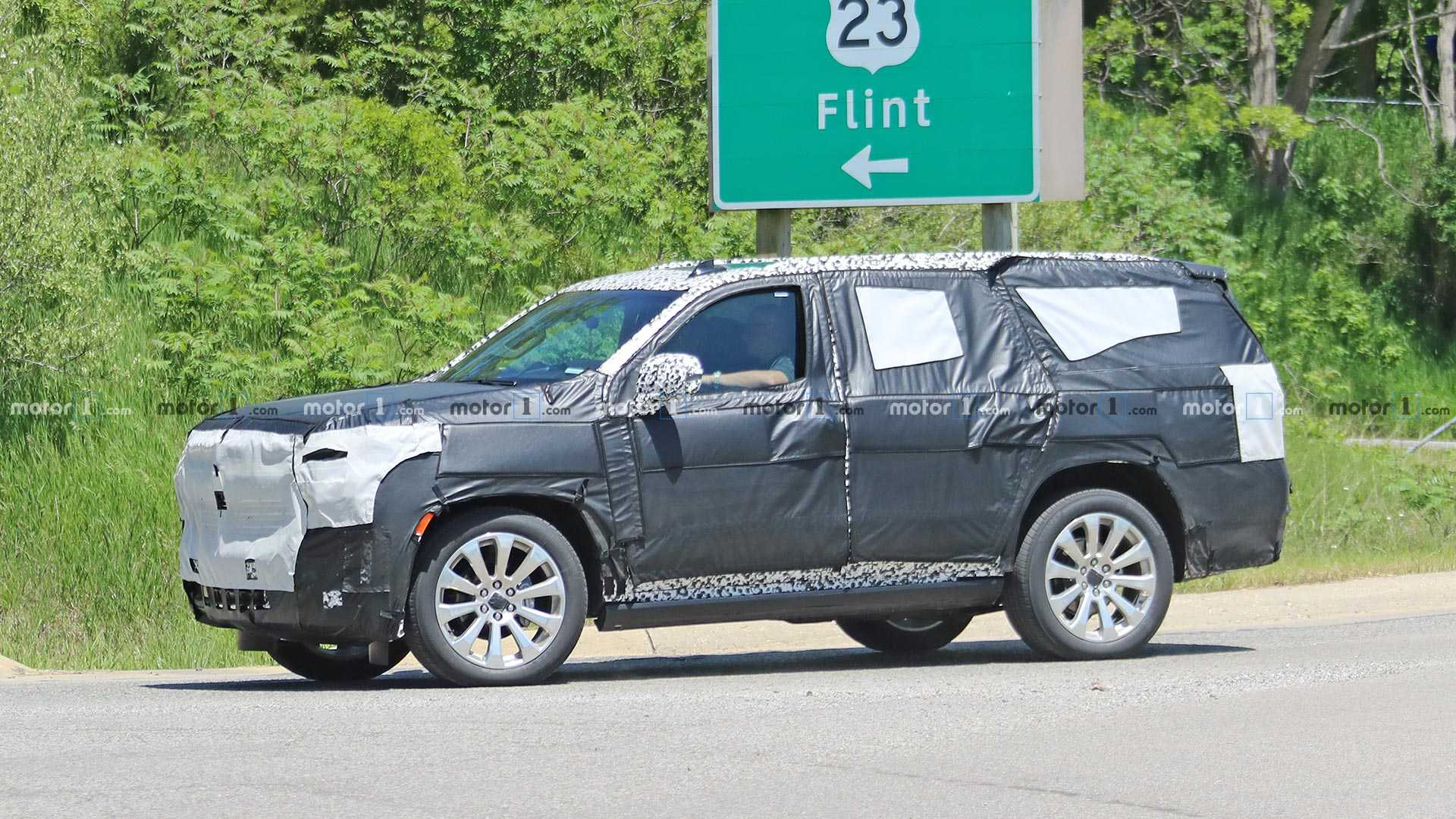 2021 Chevrolet Tahoe And Suburban Could Be Next-gen Models >> Chevrolet Tahoe High Country Spied Trying To Hide Chrome Face