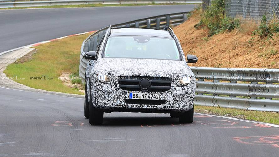 Fotos espía Mercedes GLB 2019 en Nürburgring
