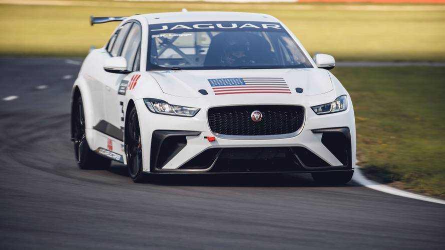Jaguar I-PACE eTROPHY – megkezdték a versenyautók tesztelését