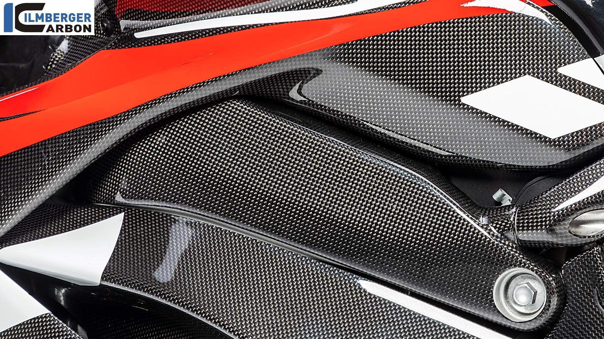 Ilmberger Carbon Gives Ducati Panigale V4 Carbon Treatment