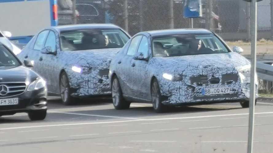 Yeni Mercedes C-Serisi Almanya yollarında görüldü