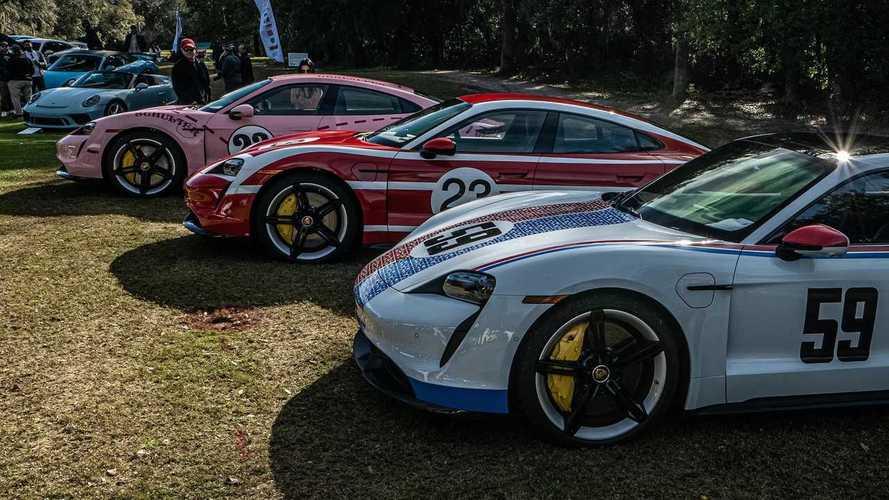 Klasszikus versenyautók festésével borított be a Porsche három Taycant