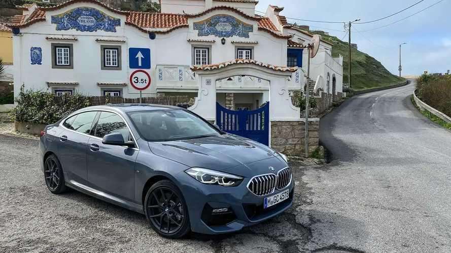 BMW 118i e 218i Gran Coupé 2022 recebem assistente pessoal
