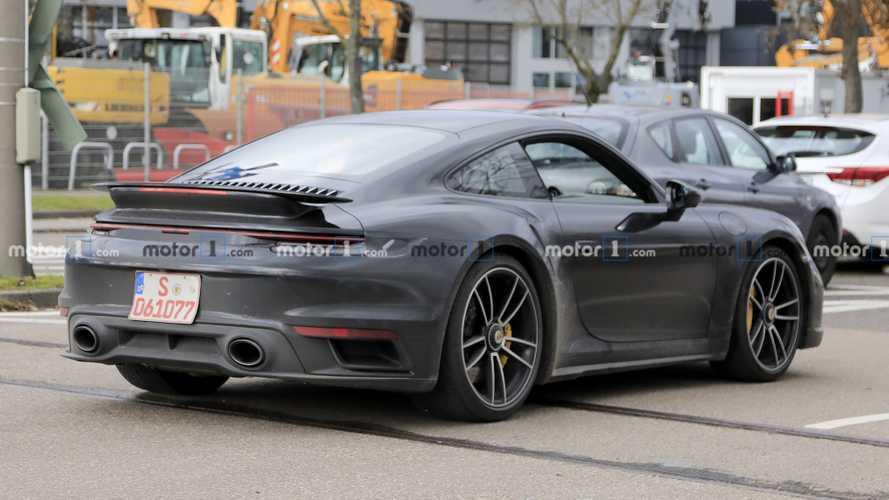 2020 Porsche 911 Turbo'dan yeni casus fotoğraflar geldi