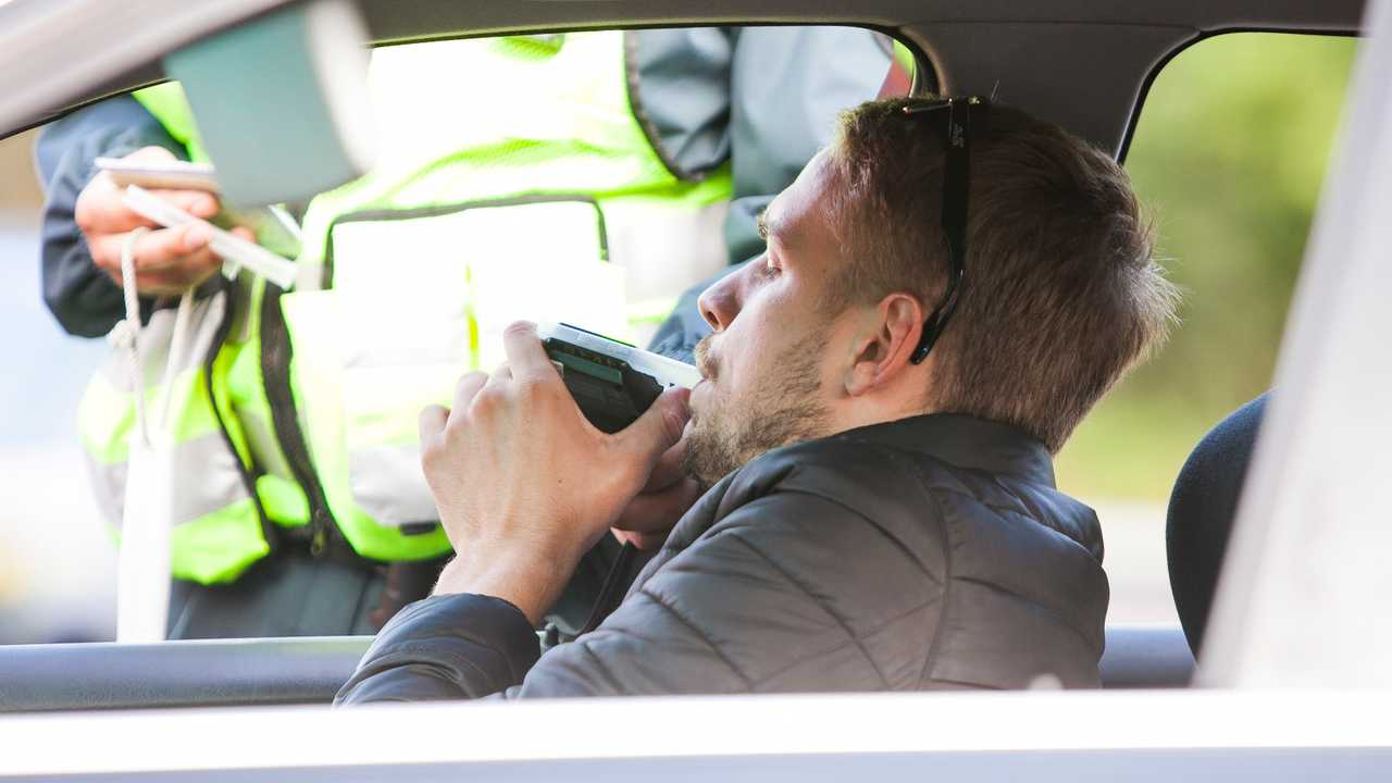 Driver given alcohol breathalyser test