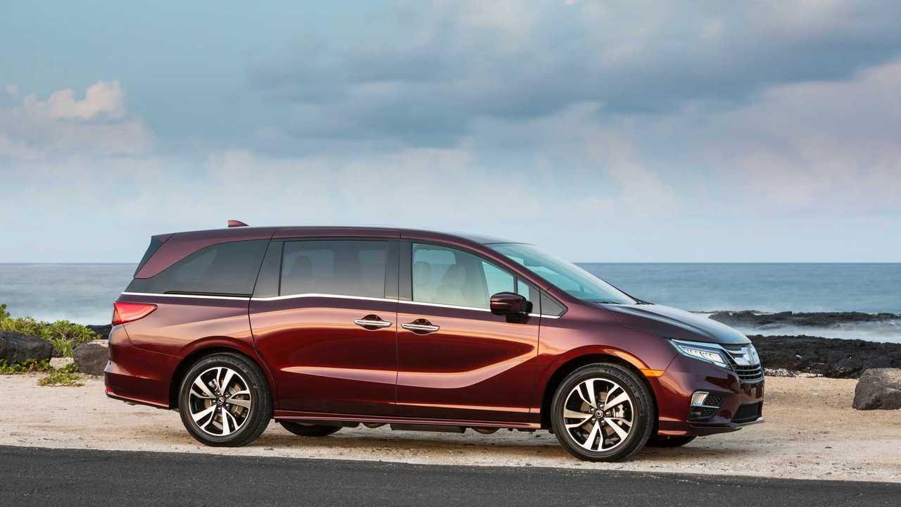 7. 2019 Honda Odyssey: 6.9/10