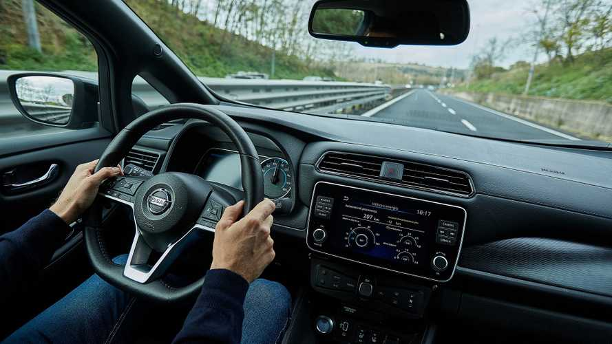 Nissan: 48 ore di test drive per conoscere l'elettrico (e wallbox gratis)