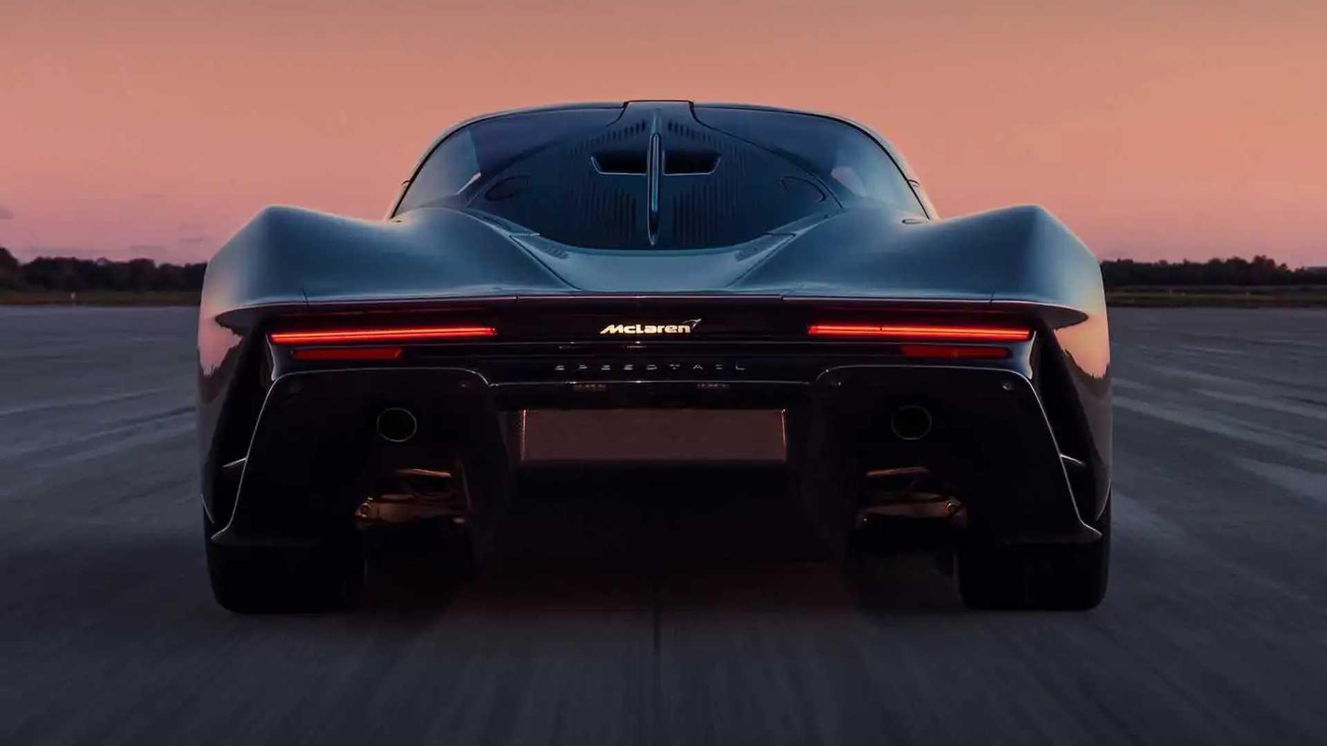 McLaren Speedtail Top Speed Run